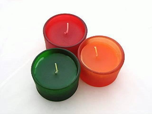Kerze im Teelichtglas